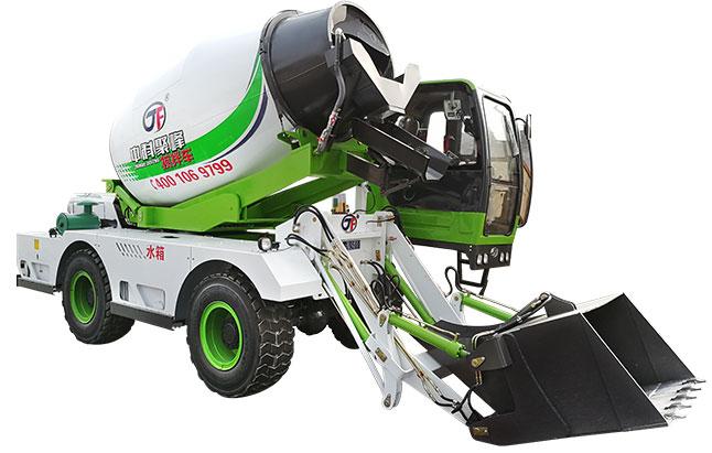 <b>小型自上料混凝土搅拌罐车的操作应该注意什么?</b>