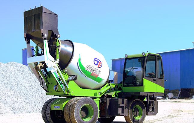 <b>小型自上料混凝土搅拌罐车如何更快的突出销量?</b>
